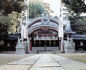 変わった名前の神社「水稲荷」は堀辺安兵衛の碑がある霊水スポット、眼病、水商売、消防の神様