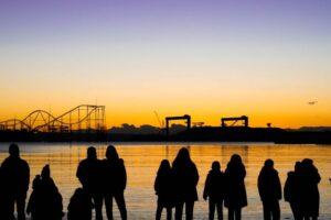 横浜・海の公園の夜明け